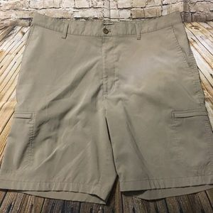 Chaps Golf Tan Zipper Cargo Shorts